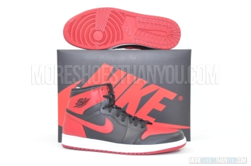 Air Jordan 1 Retro High OG (Black/Varsity Red-White) 1