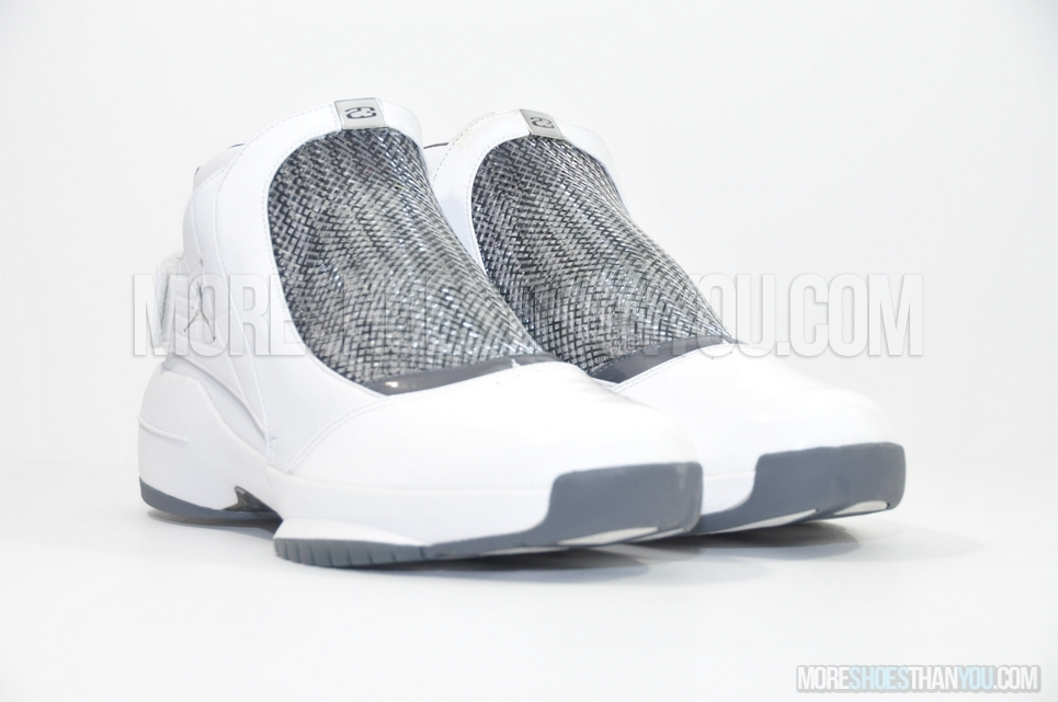 taille 40 f5e1f 6ab50 AIR JORDAN 19 WHITE/CHROME-FLINT GREY-BLACK